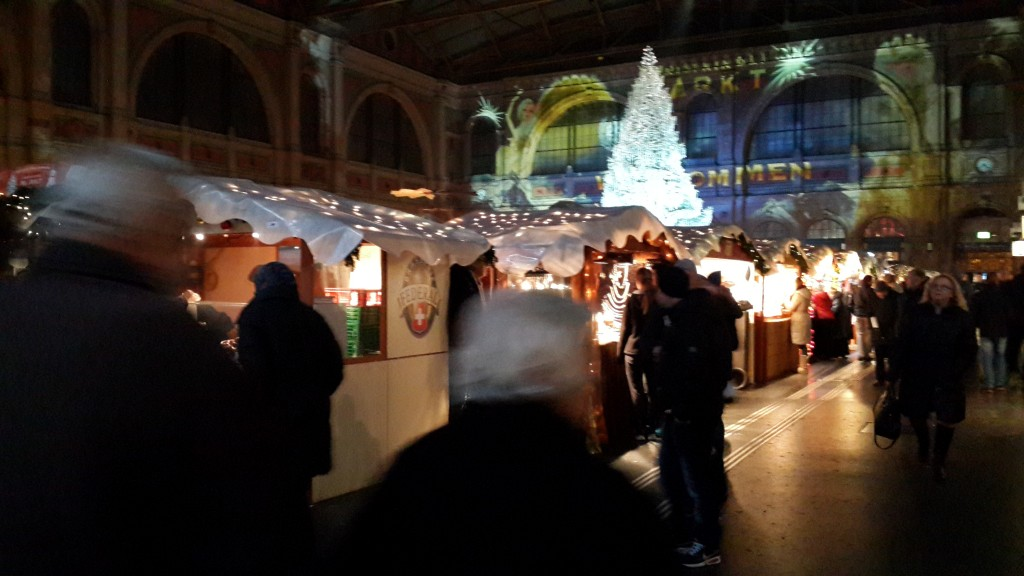 Christmas markets around Zurich HB