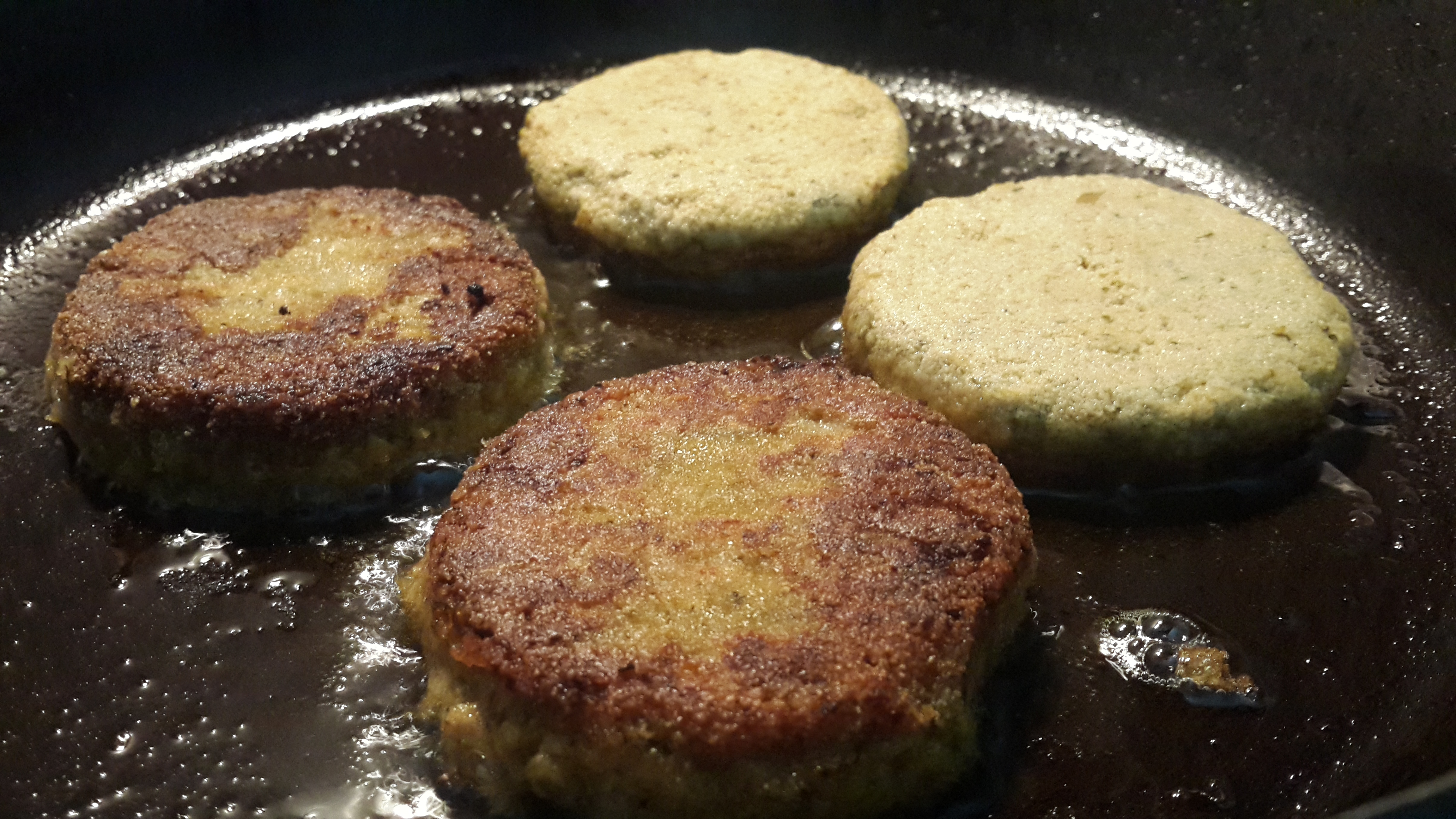 Mince meat cutlets frying